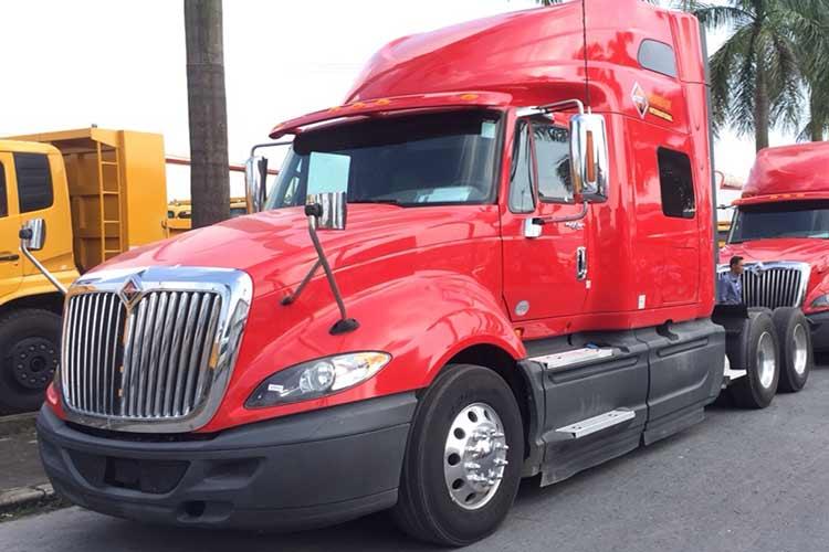 Đầu kéo Mỹ 1 giường 2014 maxxforce International 450Hp
