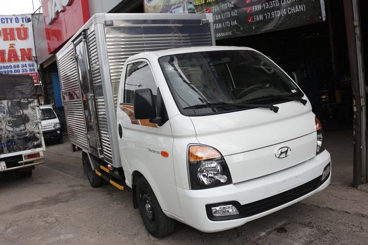 Xe tải Hyundai New Porter 150 thùng kín mạnh mẽ và tinh tế